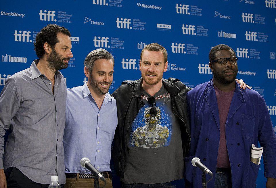 Emile Sherman, Iain Canning, Michael Fassbender y Steve R. McQueen promocionan 'Shame'