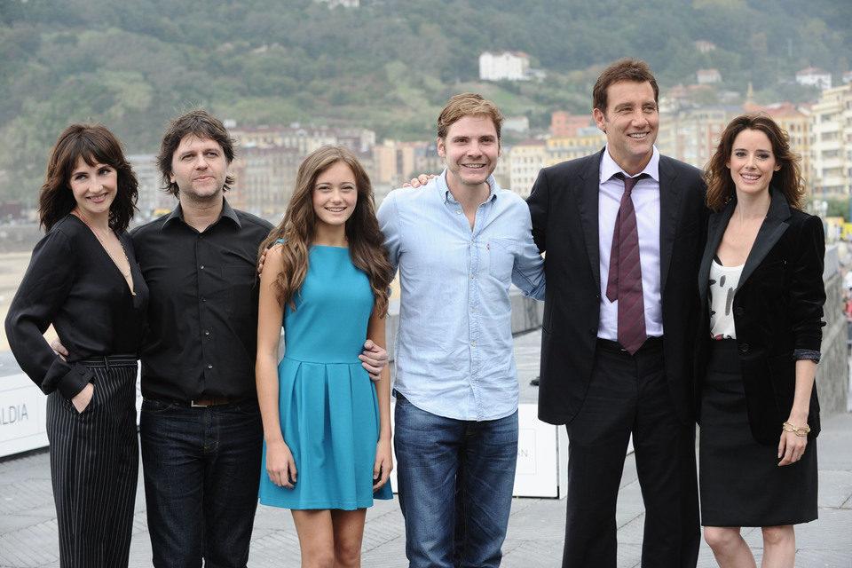 Juan Carlos Fresnadillo presenta 'Intrusos' junto a los protagonistas en San Sebastián