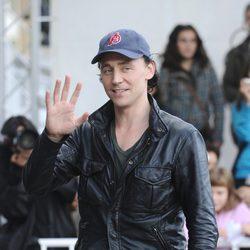Tom Hidlleston llega al Festival de San Sebastián