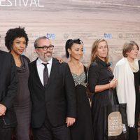 El jurado del Festival de San Sebastián posa en la gala de clausura