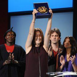 Isaki Lacuesta y su equipo recogen la Concha de Oro
