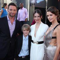 Hugh Jackman, Dakota Goyo, Evaneline Lilly y Olga Fonda en la premiére de 'Acero puro'