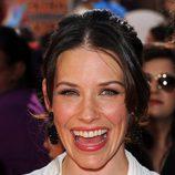 Evangeline Lilly sonríe en la premiére de 'Acero puro'