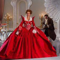 La reina Julia Roberts no se conforma con poco en 'Snow White'