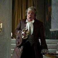 Nathan Lane es el sirviente de la reina en 'Snow White'