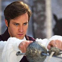 El príncipe cruza las espadas en 'Snow White'