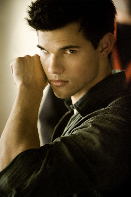 Taylor Lautner, muy sexy para 'Amanecer: Parte 1'