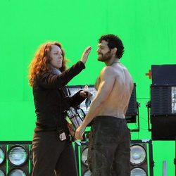 Maquillaje retoca a Henry Cavill en el set de 'Man of Steel'