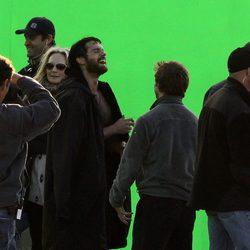 Henry Cavill descansa en el set de la nueva película de 'Superman'