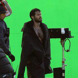 Henry Cavill pasea tras grabar su escena