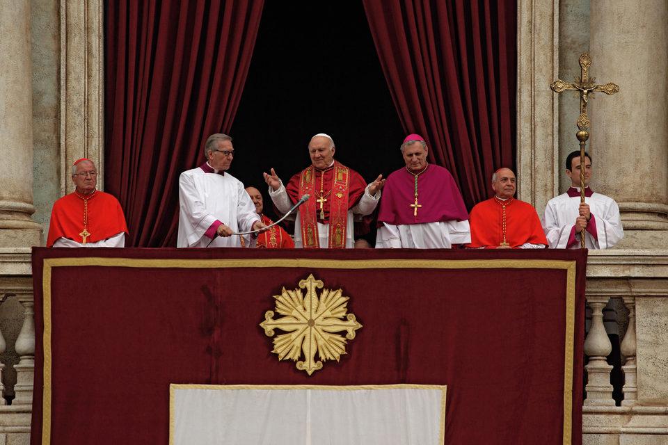 Habemus Papam, fotograma 3 de 10