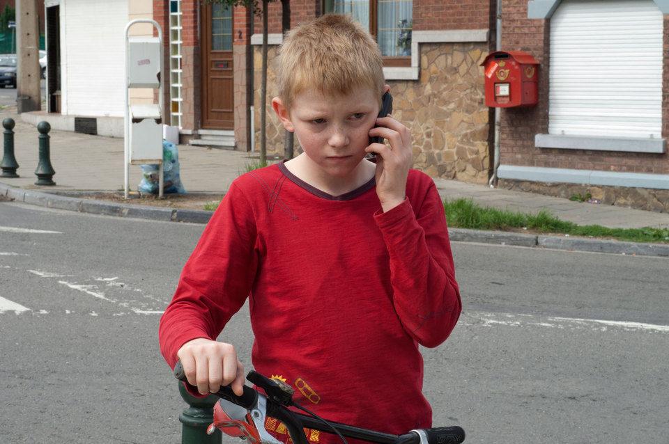 El niño de la bicicleta, fotograma 4 de 10