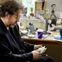 Tim Burton trabaja en Sparky, de 'Frankenweenie'