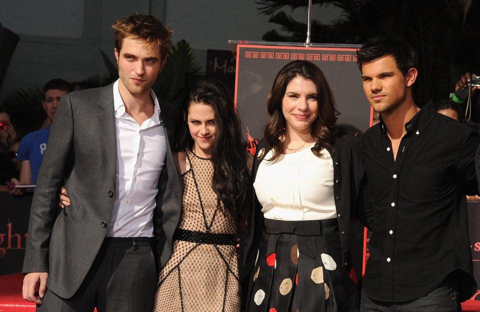Los protagonistas de la saga 'Crepúsculo' junto a Stephenie Meyer