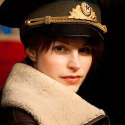 Katrine de Candole da vida a Yulia en 'El cosmonauta'