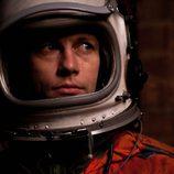 Leon Ockenden es Stas en 'El cosmonauta'