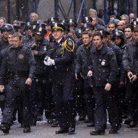 Matthew Modine y la Policía de Gotham en el set de 'El Caballero Oscuro: La leyenda renace'
