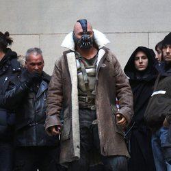 Tom Hardy como Bane en el set de 'El Caballero Oscuro: La leyenda renace'