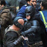 Tom Hardy y Christian Bale participan en los disturbios de lo nuevo de Nolan
