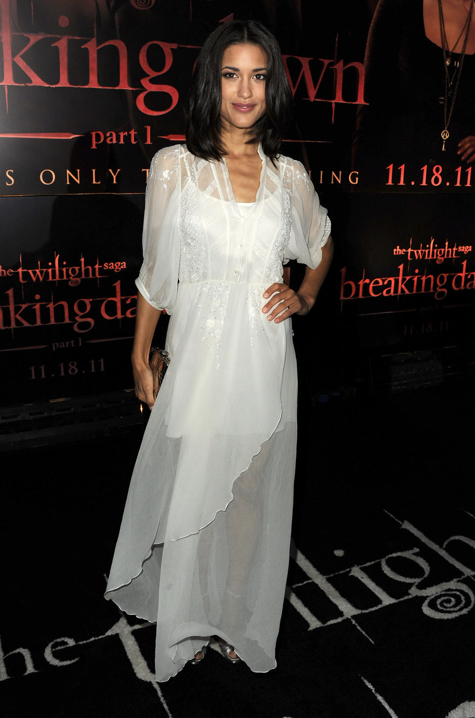 Julia Jones en la premiére de Los Angeles de 'Amanecer: Parte 1'