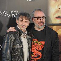 José Mota y Álex de la Iglesia en el photocall de la rueda de prensa de 'La chispa de la vida'