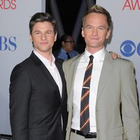 Neil Patrick Harris y su marido en la alfombra roja de los People Choice Awards 2012