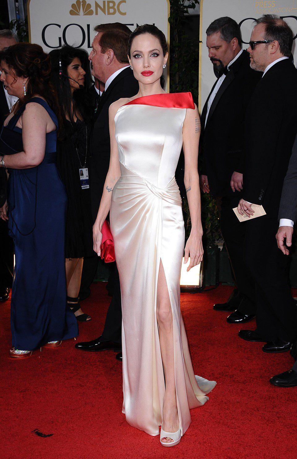 Angelina Jolie llega a los Globos de Oro 2012