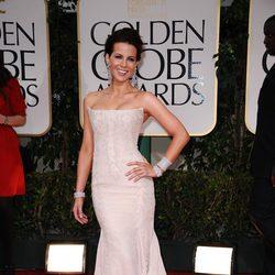 Kate Beckinsale llega a los Globos de Oro 2012
