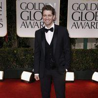 Matthew Morrison en la alfombra roja de los Globos de Oro 2012