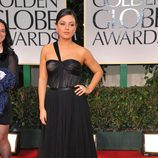 Mila Kunis en la alfombra roja de los Globos de Oro 2012