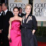 Natalie Portman y Meryl Streep posan juntas en los Globos de Oro 2012