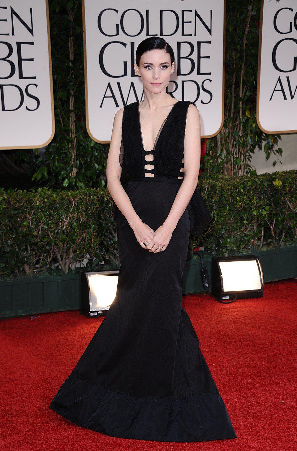 Rooney Mara posa en el photocall de los Globos de Oro 2012
