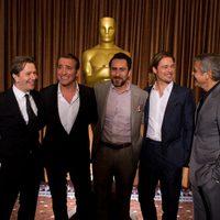 Gary Oldman, Jean Dujardin, Demian Bichir, Brad Pitt y George Clooney posan juntos en la comida de nominados