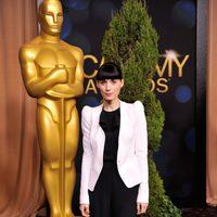 Rooney Mara posa a la entrada de la comida de nominados a los Oscar 2012