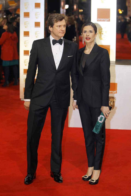 Colin Firth y su esposa posan en los BAFTA 2012