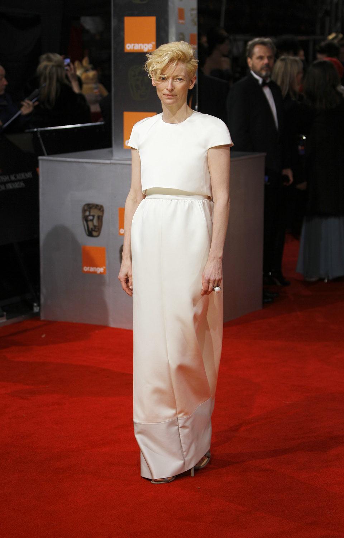 Tilda Swinton posa en la alfombra roja de los BAFTA 2012