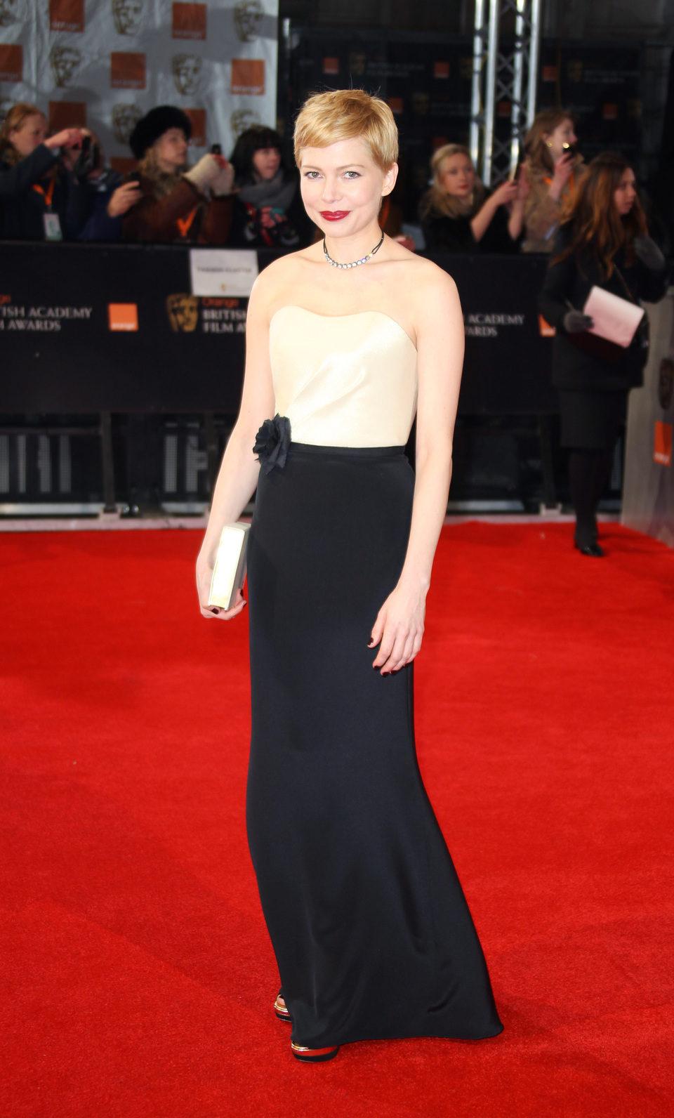 Michelle Williams asiste a los premios BAFTA 2012