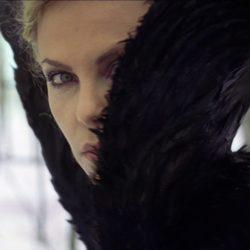 Charlize Theron muestra su lado oscuro en 'Blancanieves y la leyenda del cazador'