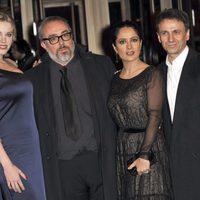 Carolina Bang, Álex de la Iglesia, Salma Hayek y José Mota presentan 'La chispa de la vida' en la Berlinale
