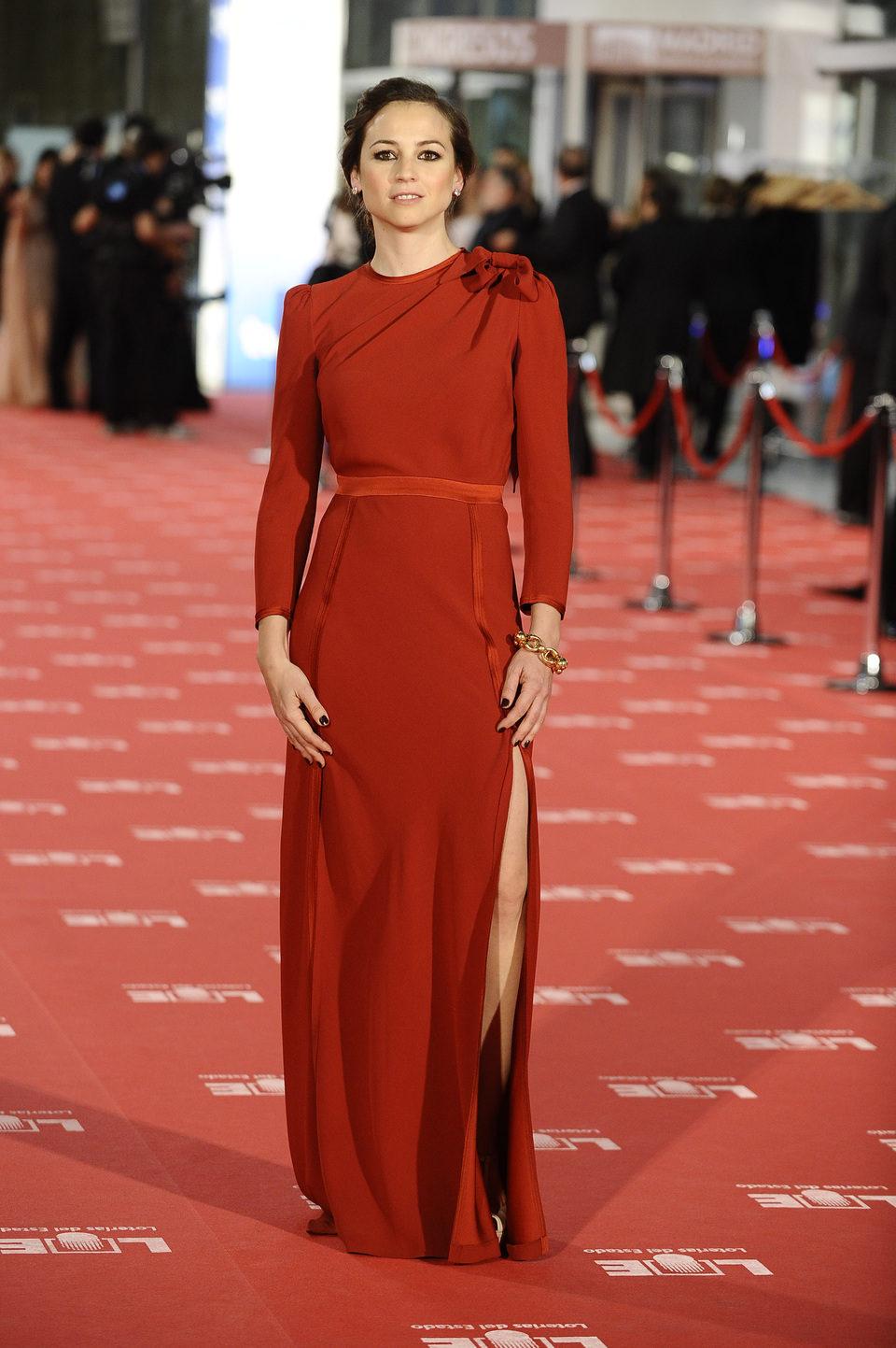 Leonor Watling en la alfombra roja de los Goya 2012