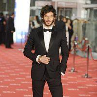 Quim Gutiérrez llega a la alfombra roja de los Goya 2012