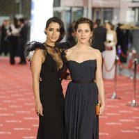Inma Cuesta y María León posan juntas en los Goya 2012