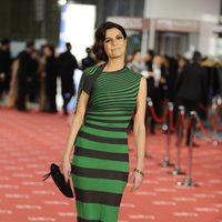 Cristina Peña posa en la alfombra roja de los Goya 2012