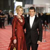 Melanie Griffith y Antonio Banderas en la alfombra roja de los Goya 2012