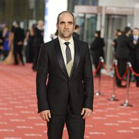 Luís Tosar en la alfombra roja de los Goya 2012