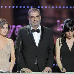 Enrique González Macho, Marta Etura y Judith Colell en los Goya 2012