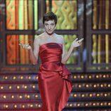 Eva Hache, de rojo en los Goya 2012