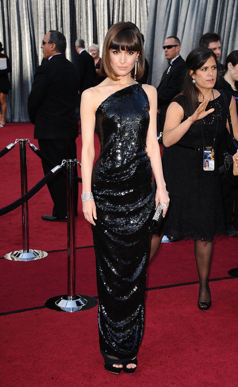 Rose Byrne en la alfombra roja de los Oscar 2012