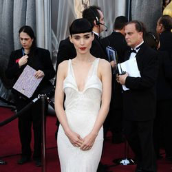 Rooney Mara en la alfombra roja de los Oscar 2012