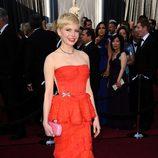 Michelle Williams en la alfombra roja de los Oscar 2012